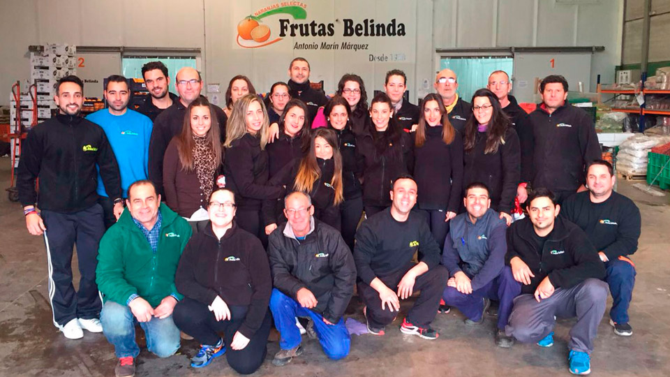 Frutas-Belinda_Trabajadores-Almacen